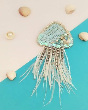 سنجاق سینه جواهردوزی شده عروس دریایی 🦪