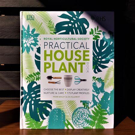 کتاب راهنمای عملی گیاهان آپارتمانی